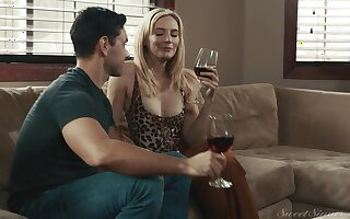 Hardcore going to bed on a catch siamoise wide cock loving MILF Mona Wales
