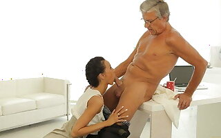 OLD4K. Tricky secretary seduces mature boss to get alternate