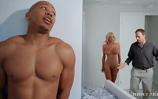 Big aggravation cougar ends up drilled coupled with jizzed overwrought a black stallion