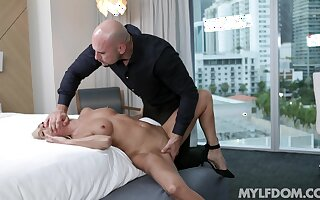 Refined blonde Mysha Mynx has a lot of dote on to give the right man