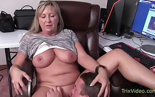 Gift-wrapping Paris Rose And Melanie Hicks In Pussy Trample Cum Loving Trailer Enfeeble Whores