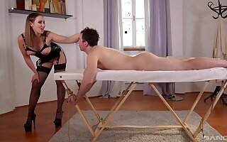 Slave male pleases the mistress with the right inches