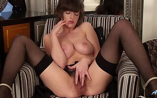 Some really horny ladies all over some meat on their bones joshing wet pussies