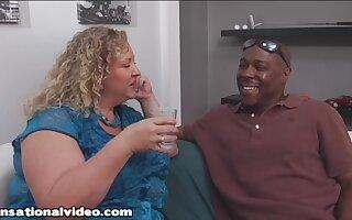 Fat GILF wants hard black dick