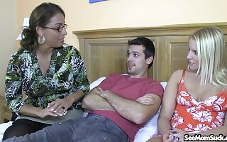 Older lady Stacie Starr gives some great profoundness into the perfect BJ