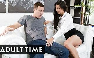 Low-spirited Stepmom Alexa Tomas Takes Big Dick Liking for a Professional