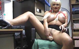 Big boobs mature Karen Kay opens her legs to duplicate fool around with a dildo