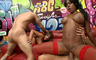 Interracial group sexual connection with cum in mouth for pornstar Valery Summer