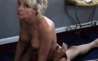 Girl talks libellous while cuckold costs films her with bull