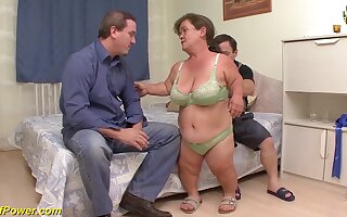 Heavy flexible mature Lilliputian and her Lilliputian husband close to their first threesome fuck orgy