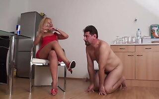 Milf lady Bianca has fun spitting on slave Joschi's food and drink