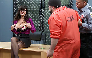 Prisoners romps buxomy professor as an alternative education
