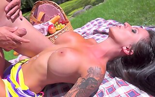 Aroused beauty gets jizz on the big tits after a sunny hardcore shag