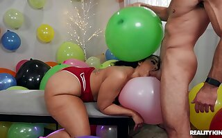 Big ass woman gets the dick she wanted for her birthday