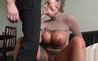 Milf submissive throats and gets analized