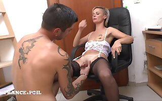 La France A Poil - The Small Titted Teacher In Stocking